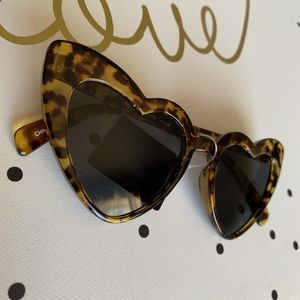 Accessories - Heart shaped sunglasses leopard / tortoise print